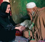 Anjelina Jolie in Pakistan (1)