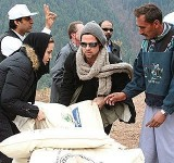 Anjelina Jolie in Pakistan (5)