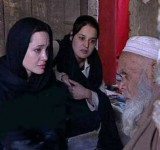 Anjelina Jolie in Pakistan (7)