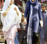 Anjelina Jolie in Pakistan (9)