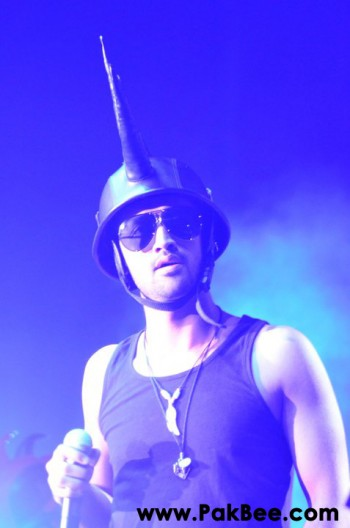 Atif-Aslam-Live-in-Houston-9th-July-2011-13