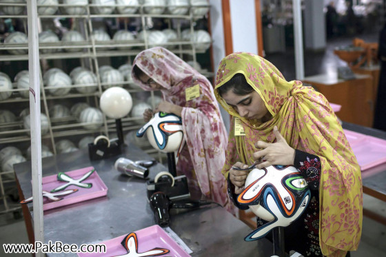 Fifa World Cup Soccer Ball to produce in Pakistan (13)