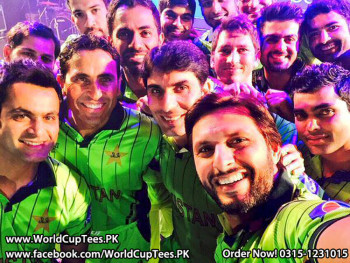 Cricket World Cup 2015 Pakistan Team Shirt Player Selfie